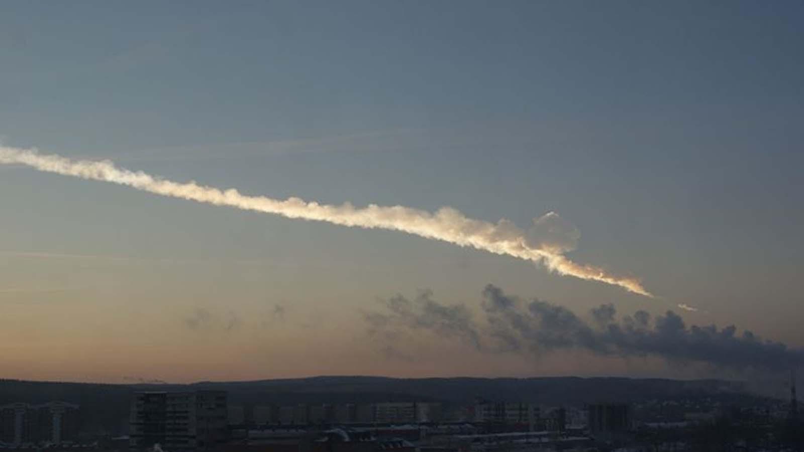 Ekaterinburg_view_of_2013_meteor_event-pano.jpg