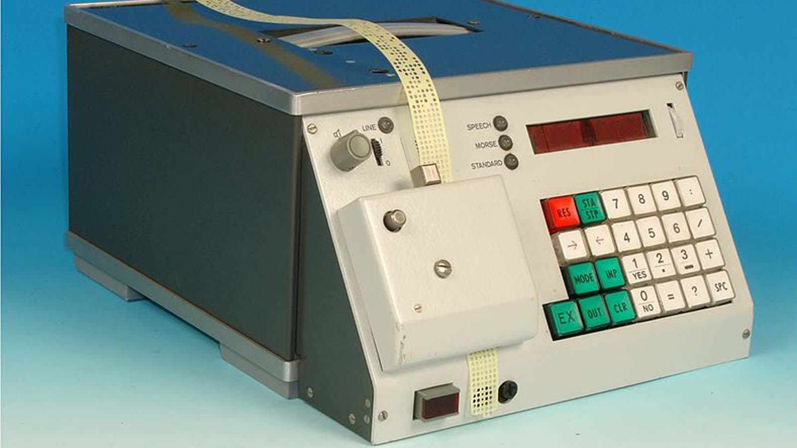 799px-Sprach-Morse-Generator-pano.jpg
