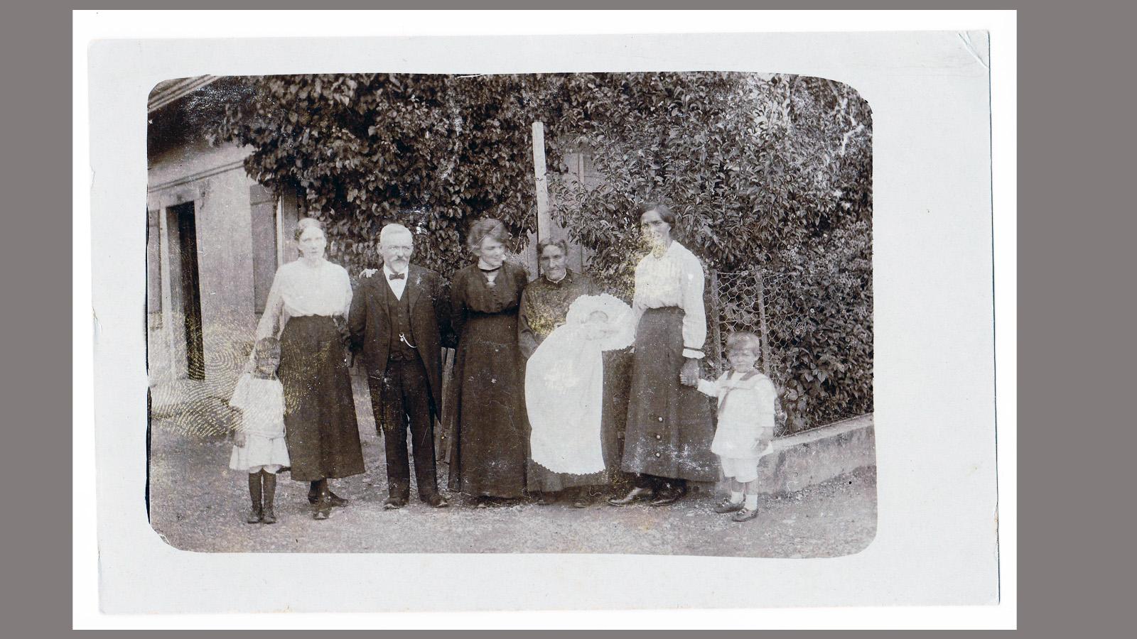 1917-taufe-anna-bearb.jpg
