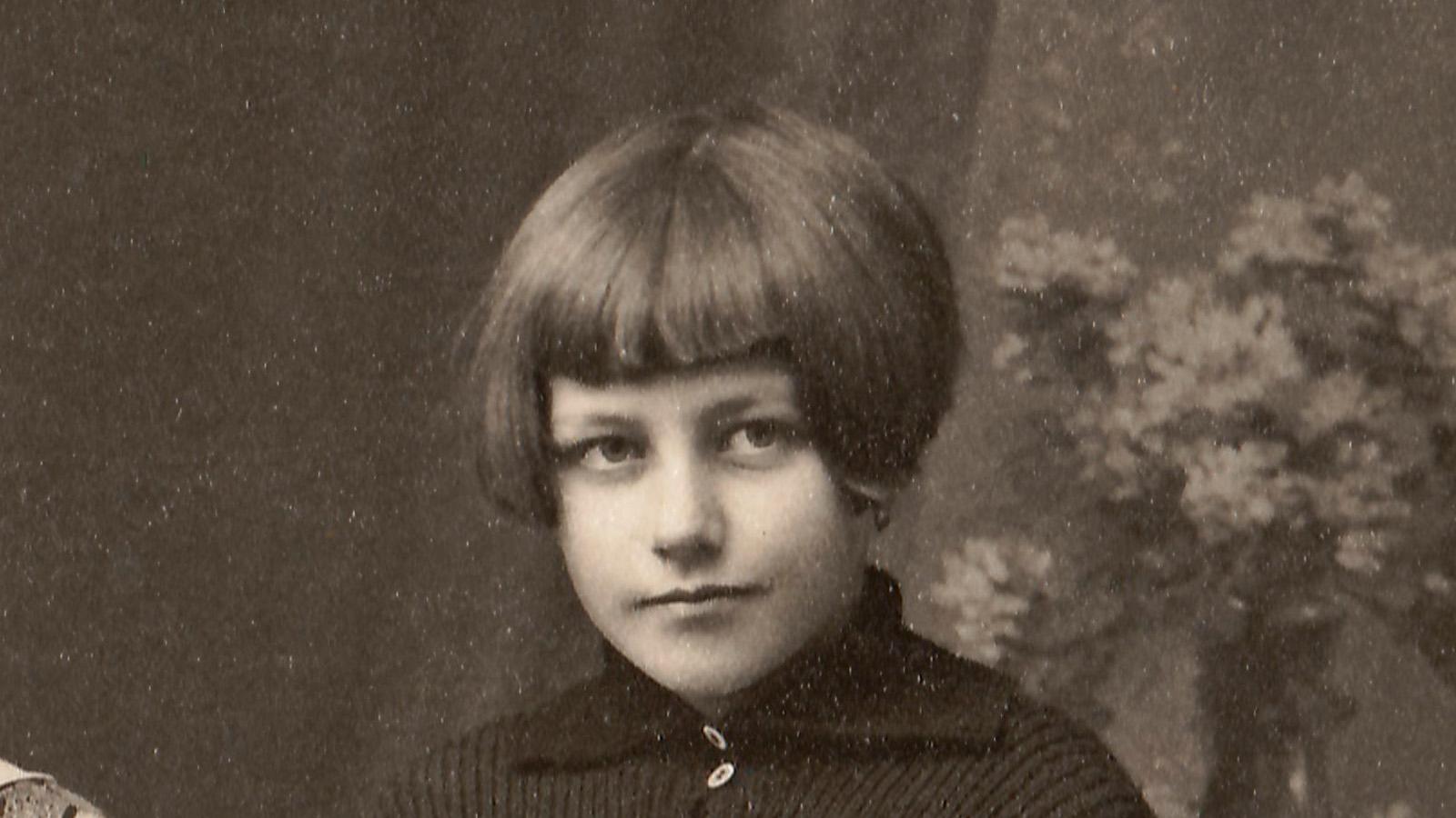 1928-anna-hildegard-gruppe-detail.jpg