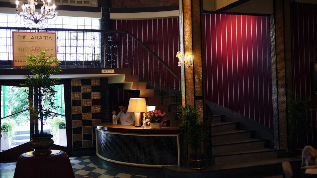 Foyer Im Hotel : Zeitreise im hotel foyer in bangkok sternenj�ger